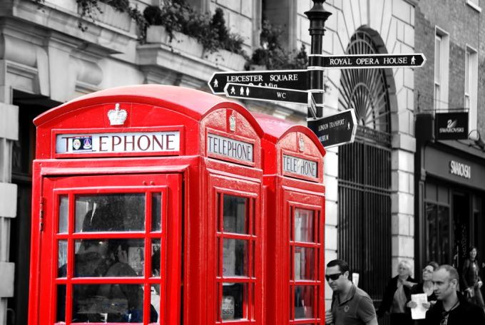red-telephone-box